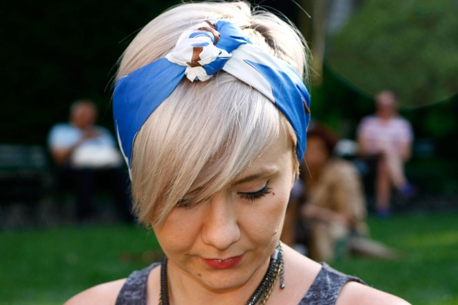 How To Tie A Scarf 3 Chic Ways Beauty Blitz