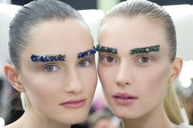 Trend: colored eyebrows