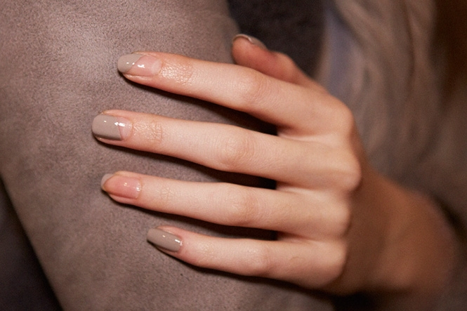The New Nail Art Manis Go Minimalist For Fall 2014