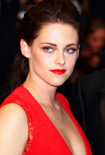 Kristen Lip Kit Matte Liquid Lipstick: Kristen Stewart's Polished Look