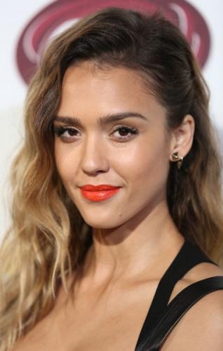Jessica Alba S Juicy Orange Lip Beauty Blitz