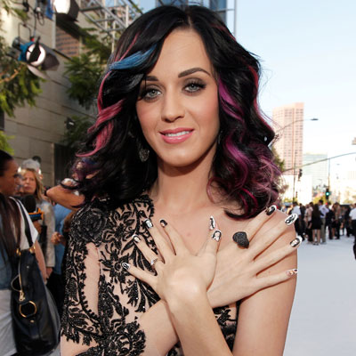 201010 Katy Perry Nails. The MTV VMA red carpet was full of some weird and ...